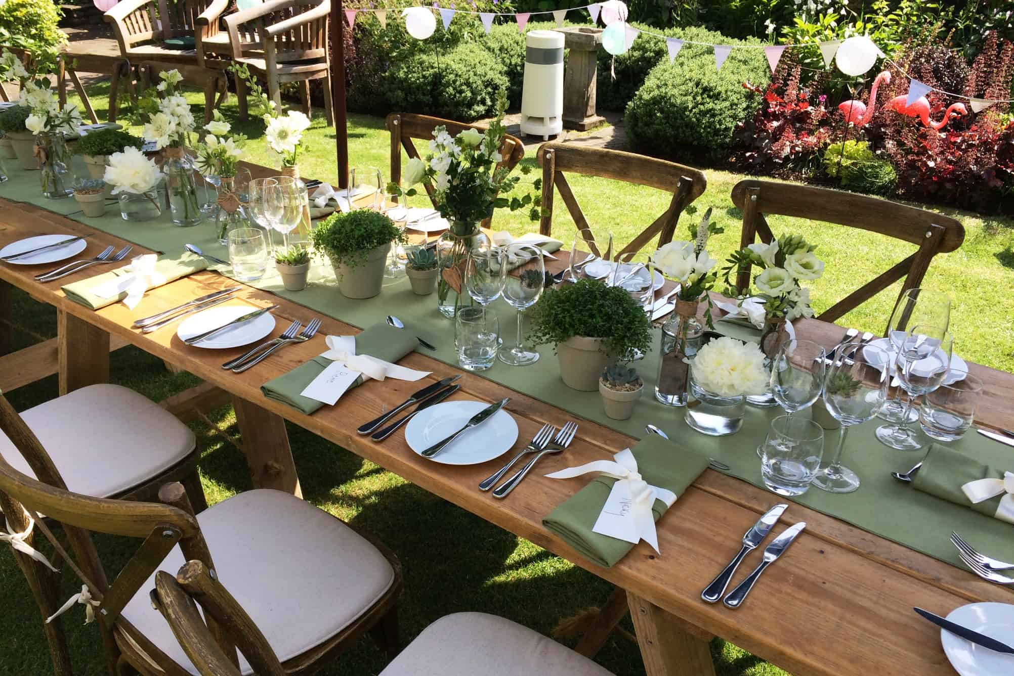 Alfresco dining at a beautiful rustic table